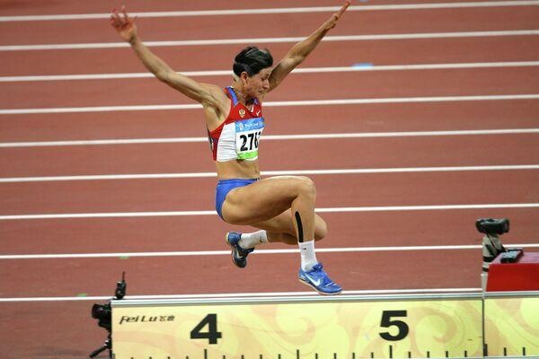 Россиянка Татьяна Лебедева во время соревнований на Олимпиаде в Пекине