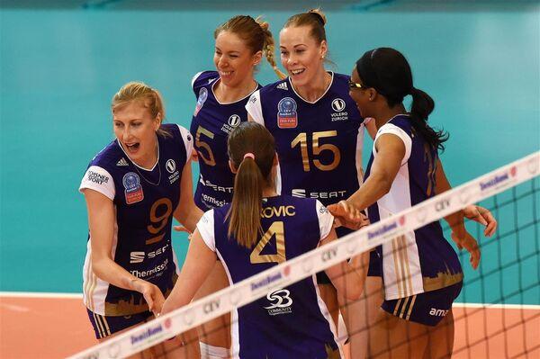 Волейболистки Волеро. Вторая справа - Екатерина Орлова