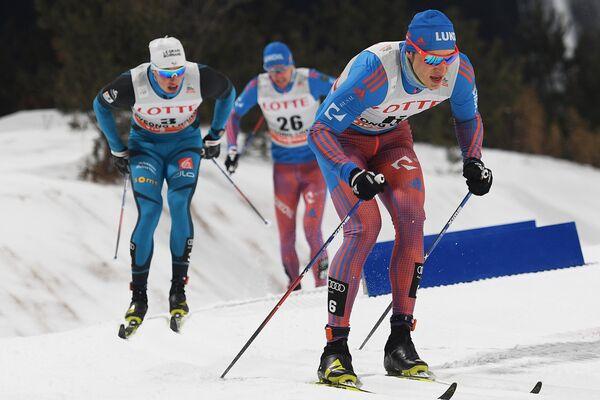 Справа налево: Глеб Ретивых (Россия), Никита Крюков (Россия) и Лукас Шанава (Франция)