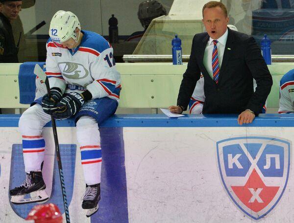 Антон Шенфельд (слева)