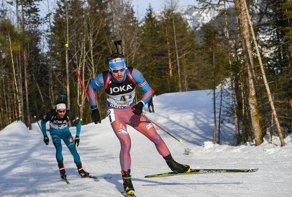 Мартен Фуркад (Франция) (слева) и Антон Шипулин (Россия)