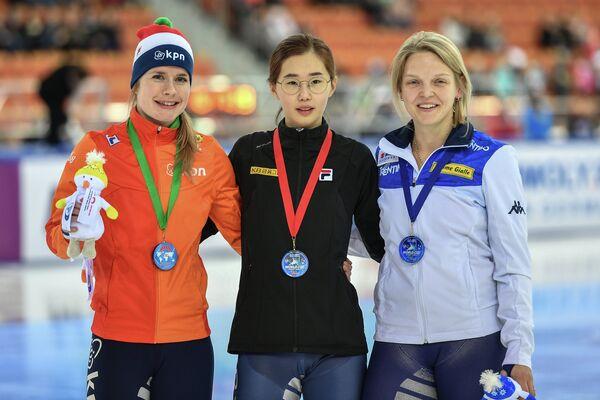 Яра ван Керкхоф, Ким Ечжин и Арианна Фонтана (слева направо)