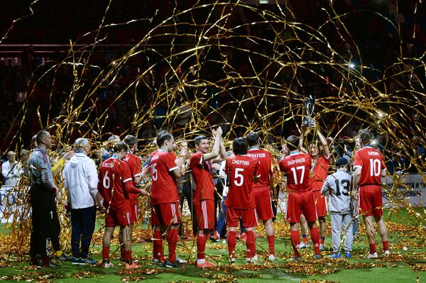 Игроки сборной России во время церемонии награждения