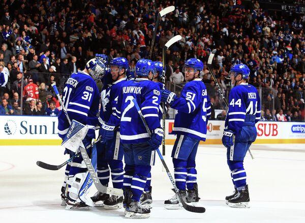 Игроки клуба НХЛ Торонто Мейпл Лифс