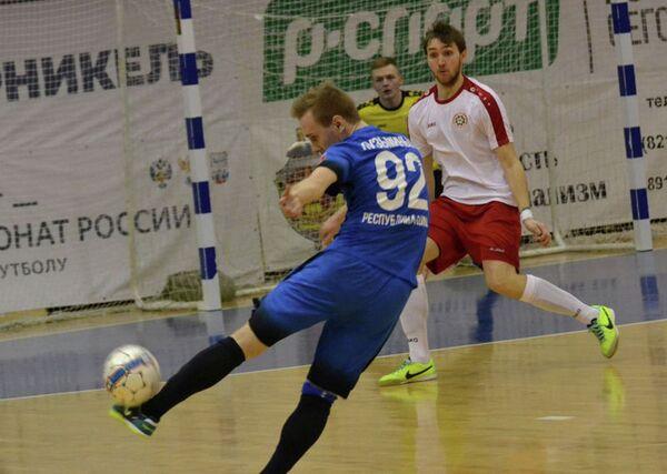 Игровой момент матча чемпионата России по мини-футболу Ухта - Прогресс