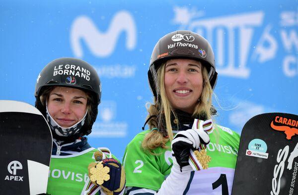Нелли Моенн-Локко и Клоэ Треспёш (слева направо)