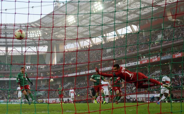 Игровой момент матча 20-го тура РФПЛ  Локомотив - Спартак