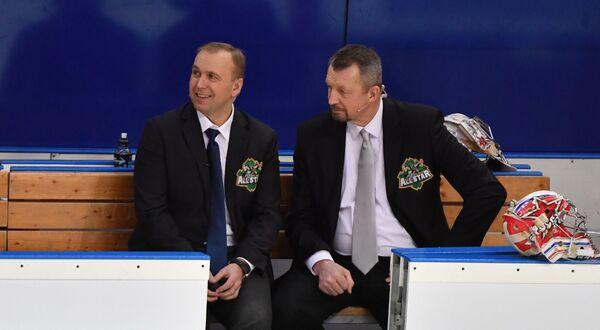 Сергей Гимаев (справа) и Денис Казанский во время Матча звезд КХЛ