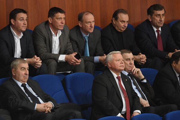 Секретарь Совета безопасности РФ Николай Патрушев (в центре)