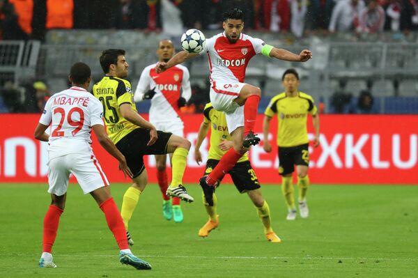 Игровой момент первого матча 1/4 финала ЛЧ между ФК Боруссия (Дортмунд) и ФК Монако