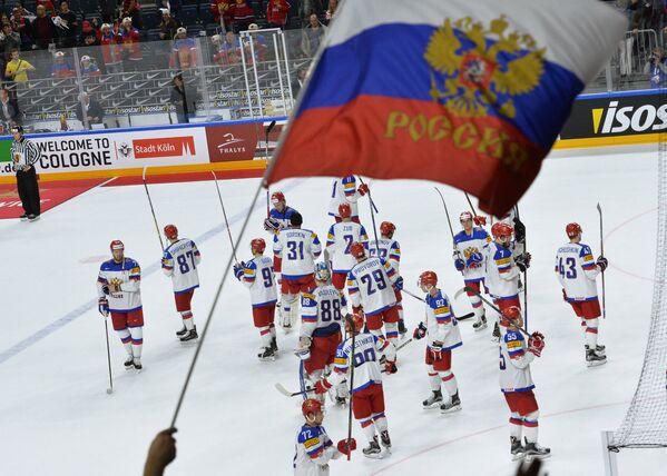 Хоккеисты сборной России после полуфинального матча