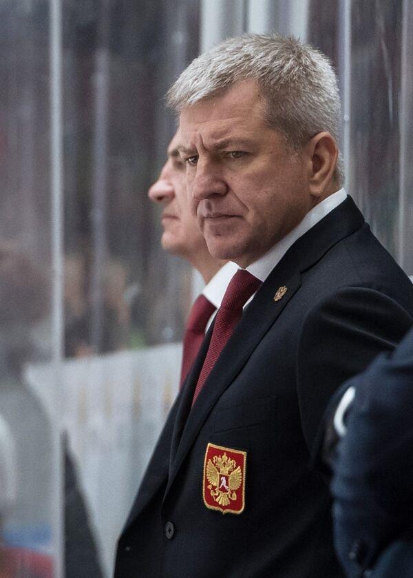 Тренер сборной России Олег Браташ