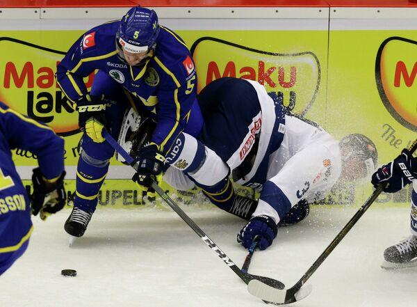 Защитник сборной Швеции по хоккею Филип Хольм (№5)