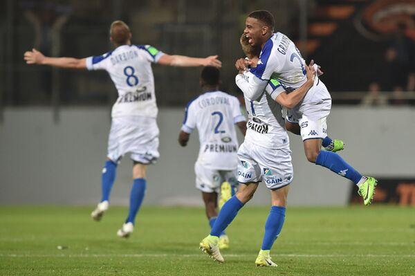 Футболисты французского Труа