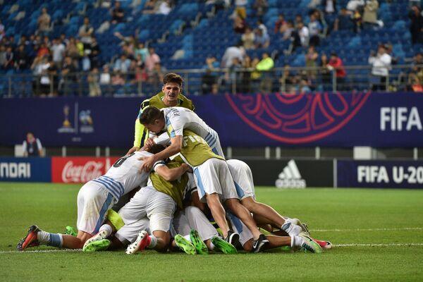 Футболисты молодежной сборной Уругвая