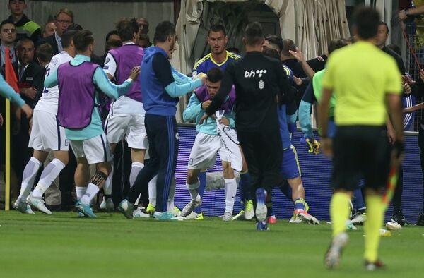 Футболисты сборных Боснии и Герцеговины и Греции подрались после матча