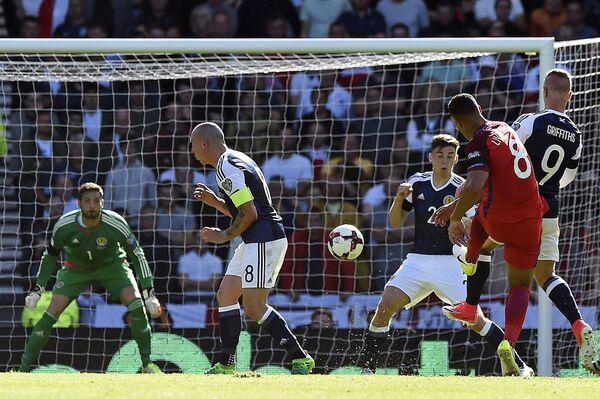 Игровой момент матча Шотландия - Англия