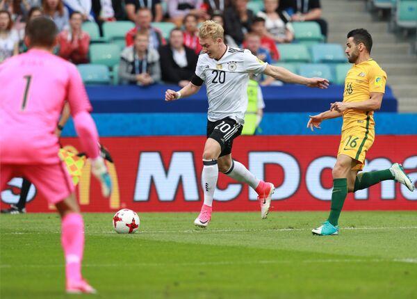Нападающий сборной Германии по футболу Юлиан Брандт (№20)