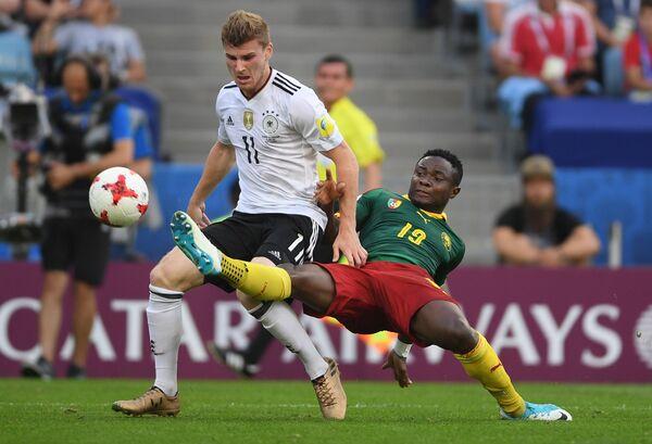 Игровой момент матча Германия - Камерун