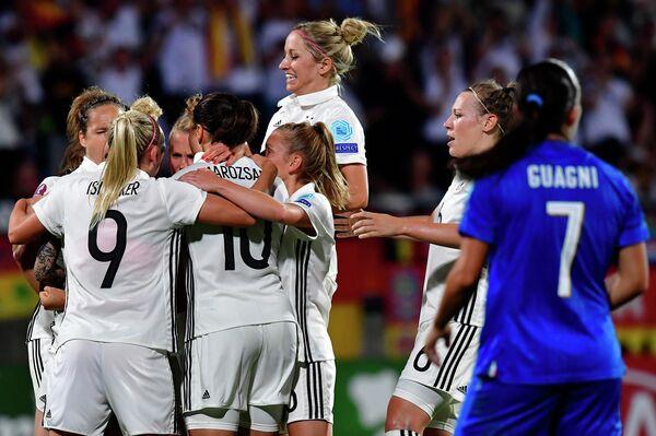 Футболистки женской сборной Германии