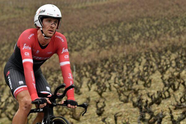 Бельгийский велогонщик Эдвард Тёнс из команды Trek-Segafredo