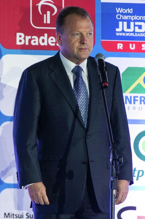 Мариус Визер