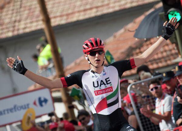 Словенский велогонщик Матей Мохорич из команды UAE Team Emirates