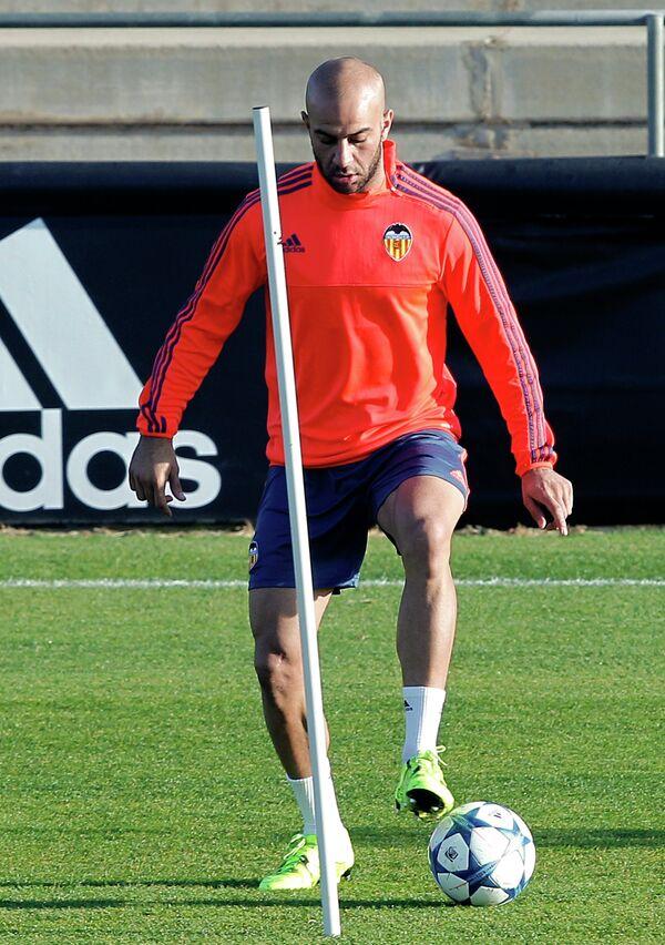 Защитник испанского футбольного клуба Валенсия Аймен Абденнур