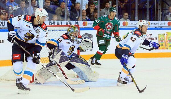 Игровой момент матча регулярного чемпионата КХЛ между Ак Барсом и Сочи