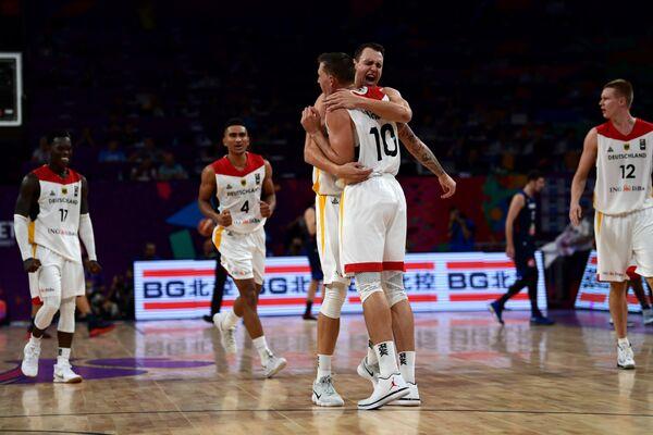Баскетболисты сборной Германии