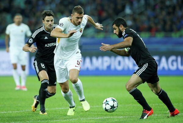 Игровой момент матча Рома - Карабах