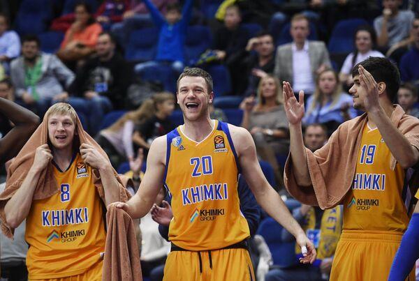 Игроки БК Химки Вячеслав Зайцев, Андрей Зубков и Марко Тодорович (слева направо)