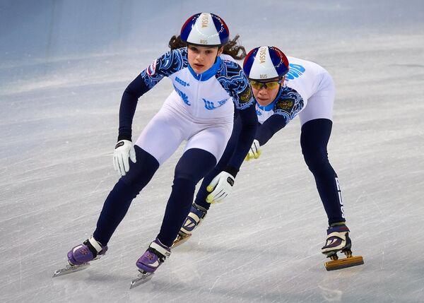 Софья Просвирнова и Татьяна Бородулина (справа)