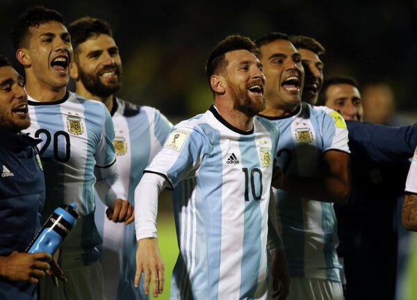 Нападающий сборной Аргентины Лионель Месси (№10)