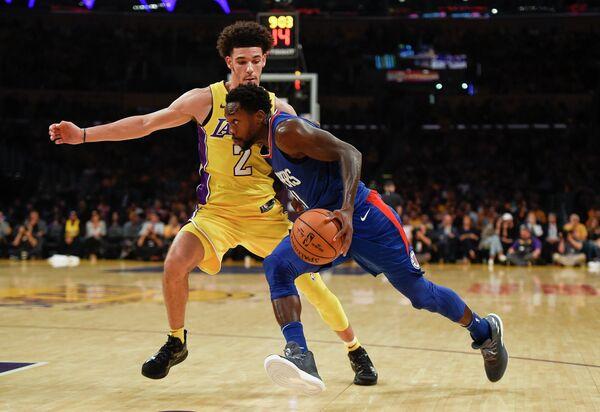 Игровой момент матча НБА Лос-Анджелес Клипперс - Лос-Анджелес Лейкерс
