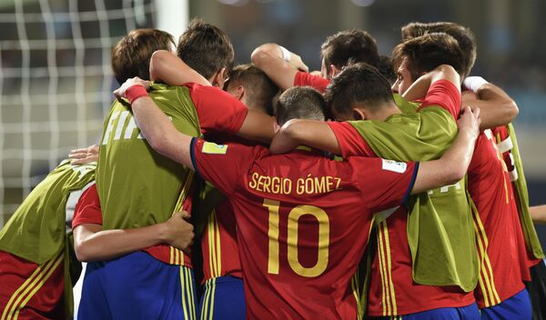 Футболисты юношеской сборной Испании