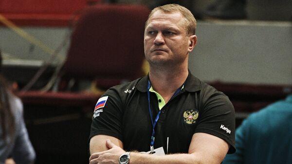 Главный тренер сборной России по гандболу Эдуард Кокшаров