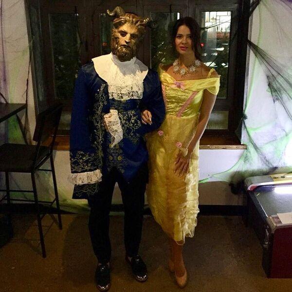 Дмитрий Орлов с супругой Варварой в образе героев сказки Красавица и чудовище