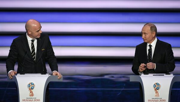 Владимир Путин и Джанни Инфантино (слева)