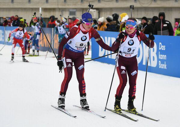 Биатлонистки сборной России Екатерина Юрлова-Перхт и Ирина Старых (слева направо)