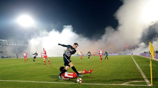 Игровой момент матча Партизан - Црвена Звезда