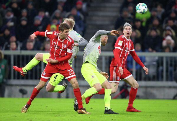 Игровой момент матча Бавария - Кельн