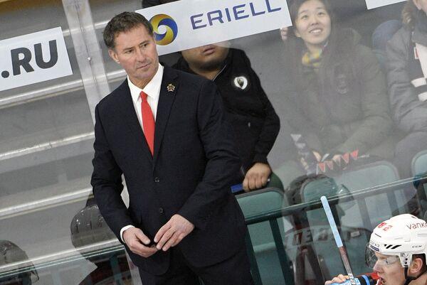 Исполняющий обязанности главного тренера китайского хоккейного клуба Куньлунь Бобби Карпентер