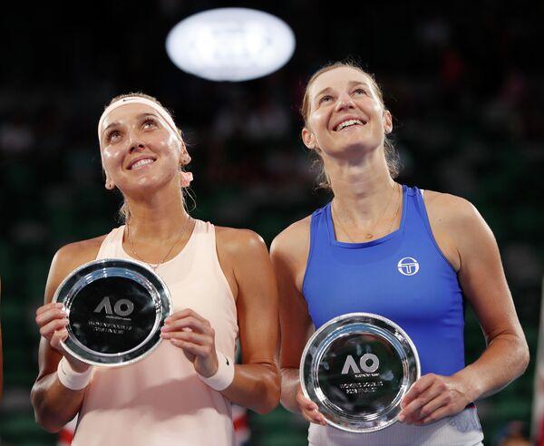 Российские теннисистки Елена Веснина и Екатерина Макарова (слева направо)