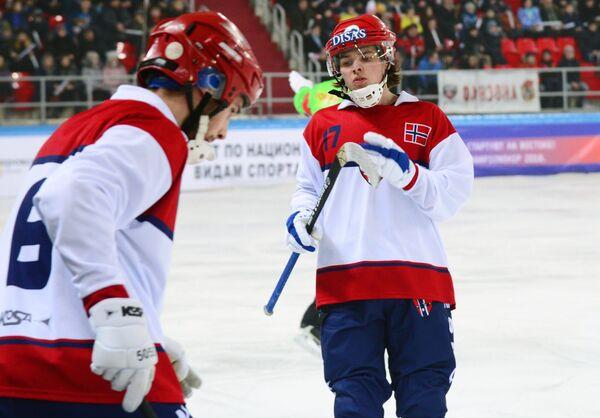 Игроки сборной Норвегии по хоккею с мячом