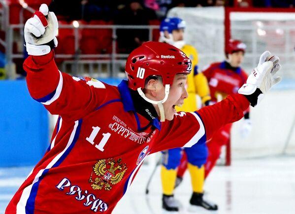 Игрок сборной России Вадим Чернов