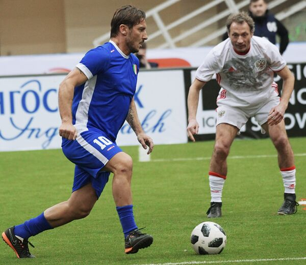 Франческо Тотти и Дмитрий Хлестов (слева направо)