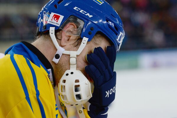 Игрок сборной Швеции по хоккею с мячом