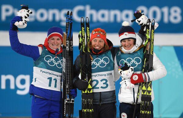 Марте Олсбу, Лаура Дальмайер и Вероника Виткова (слева направо)