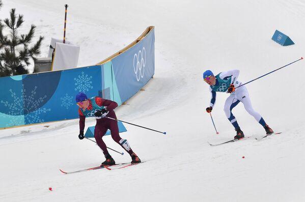 Александр Большунов и Ийво Нисканен (справа)